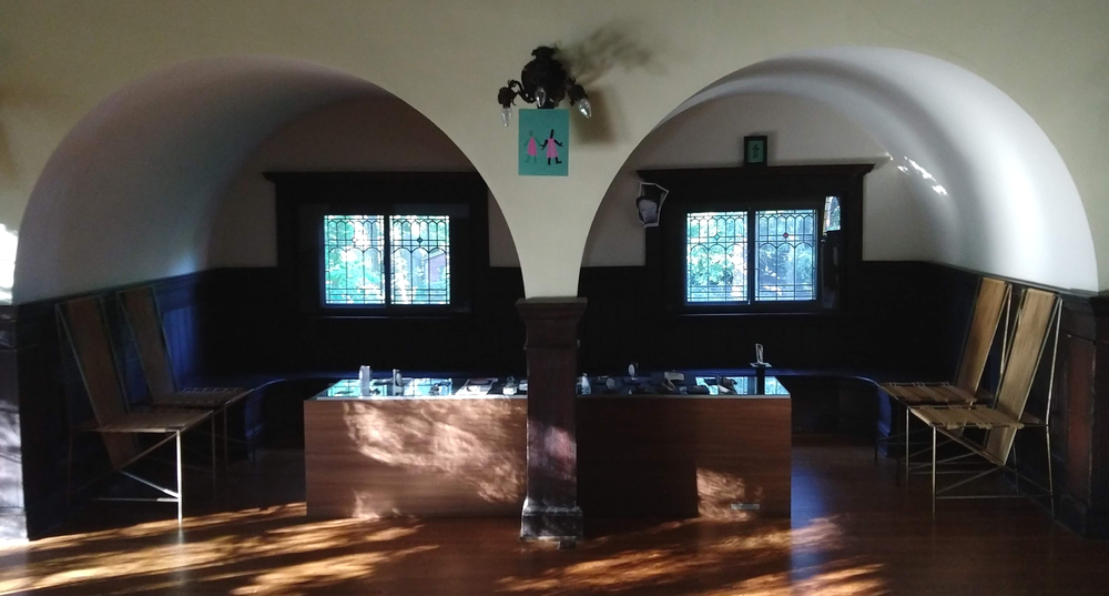 False Heads, Masks, and Robots in Alcove